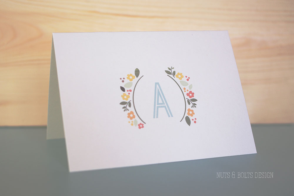 Printed floral initial stationary | TheMombot.com